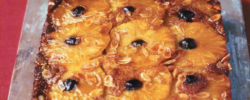 Τάρτα-κέικ με ανανά