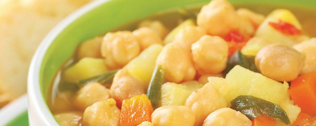 Ρεβίθια με σέλινο και καρότο