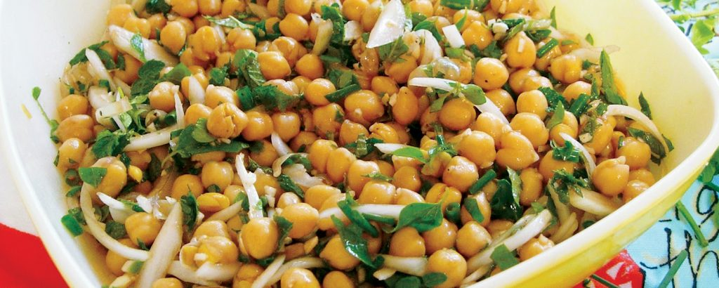 Ρεβίθια βραστά σαλάτα