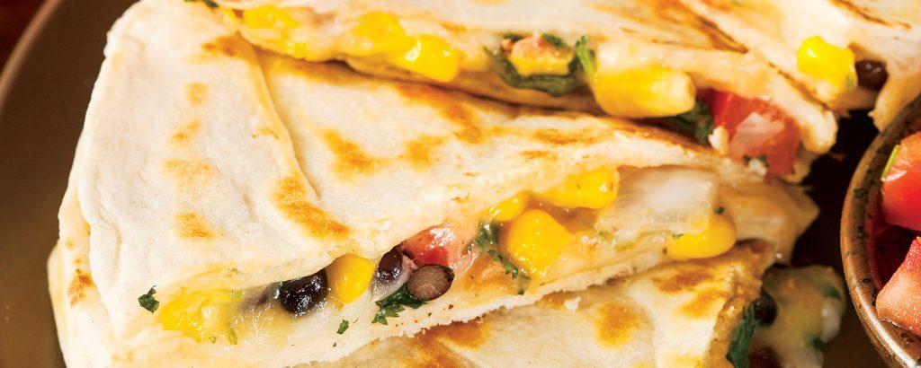 Κεσαντίγια (quesadilla) με φασόλια και καλαμπόκι