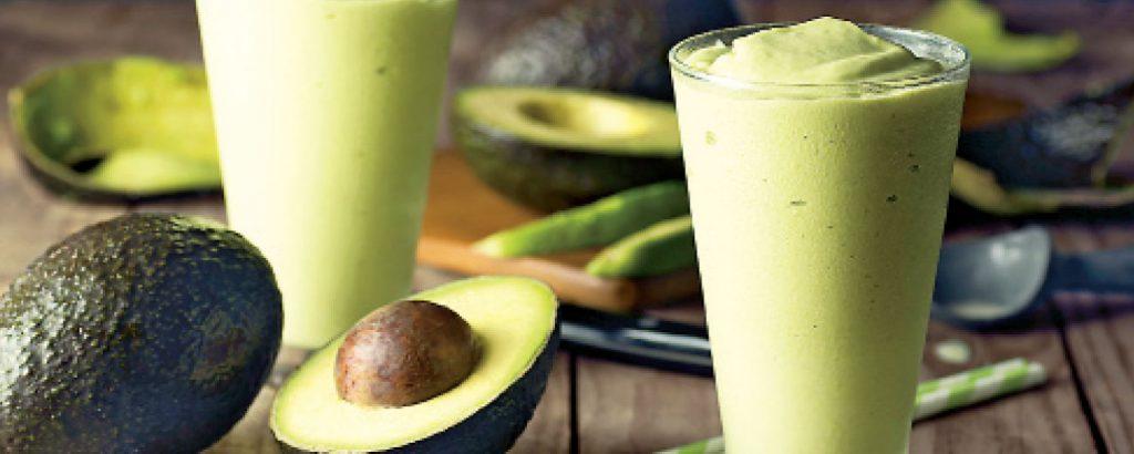 Smoothie με μπανάνα και αβοκάντο