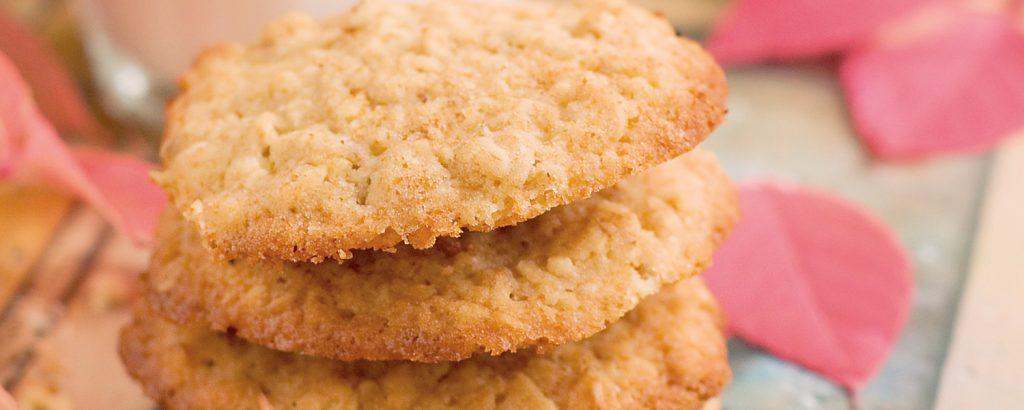 Τραγανά μπισκότα με καρύδια
