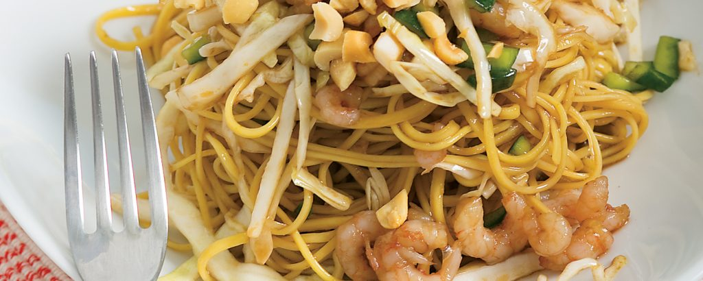 Σαλάτα με noodle και γαρίδες