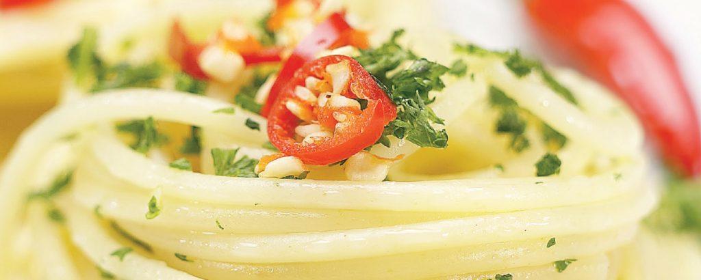 Σπαγέτι σκόρδο - ελαιόλαδο (Aglio e olio)