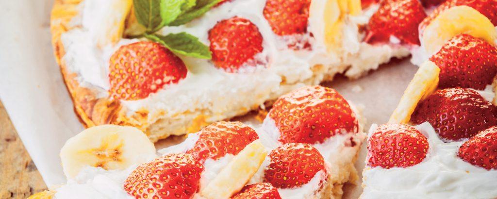 Τάρτα σφολιάτας με κρέμα και φράουλες
