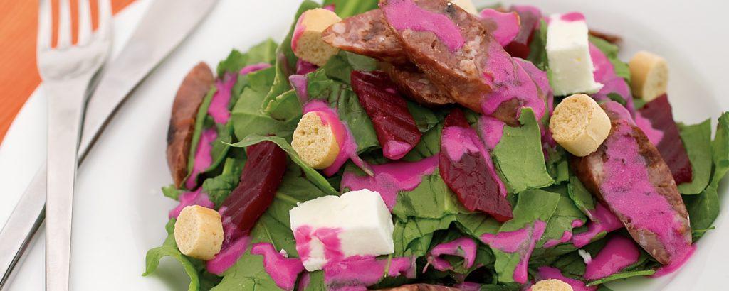 Σαλάτα με λουκάνικα