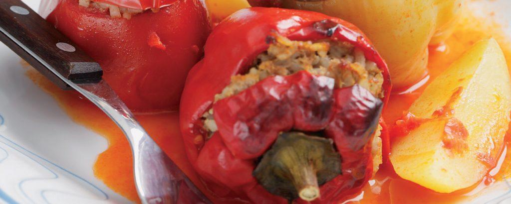 Ντομάτες και πιπεριές γεμιστές