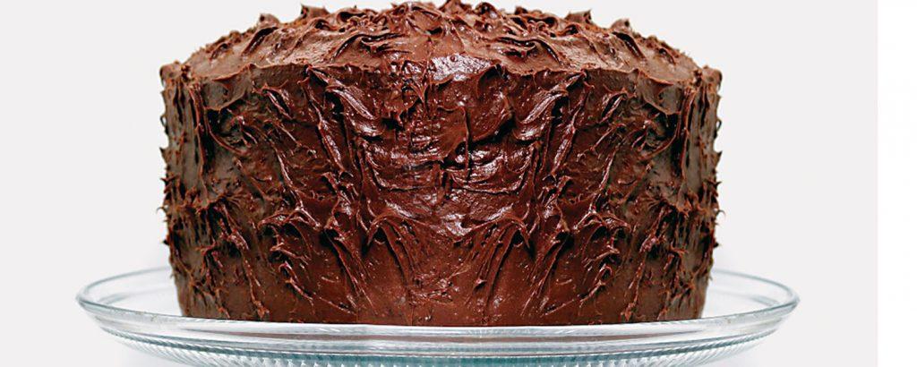 Εύκολο κέικ-τούρτα σοκολάτας με γλάσο
