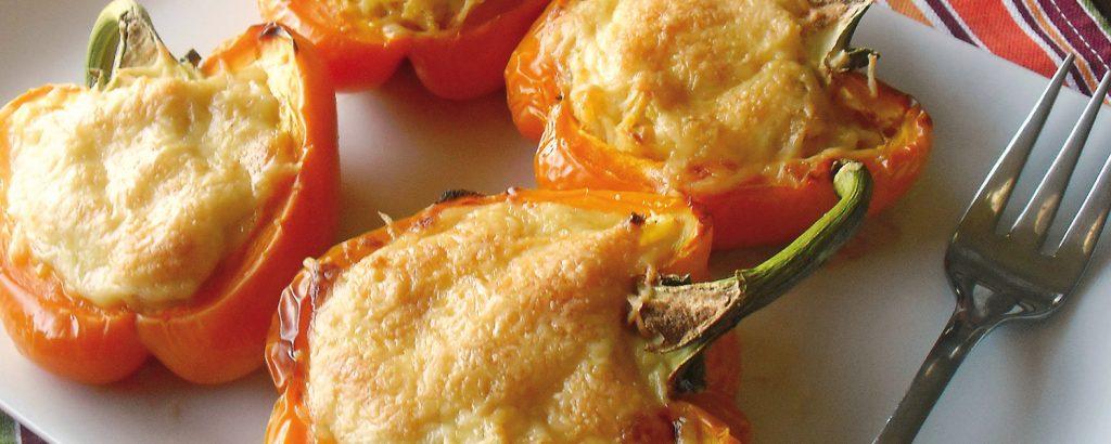 Γεμιστές πιπεριές με πολέντα και τυρί