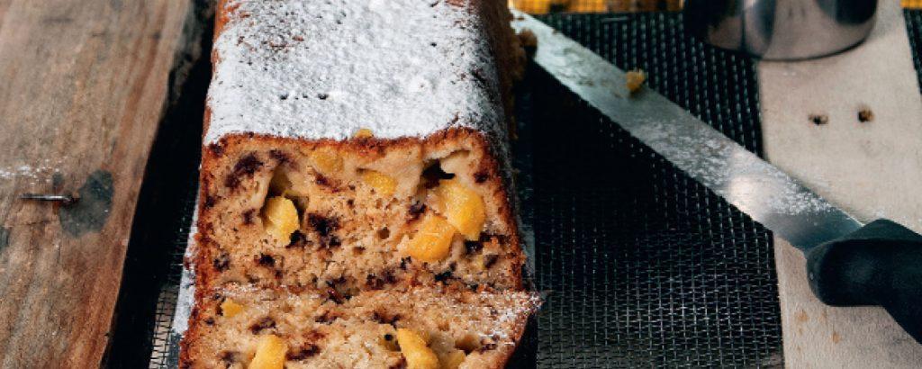 Κέικ με βρώμη και φρούτα