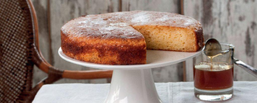 Ελαφρύ κέικ με γιαούρτι (χωρίς βούτυρο)