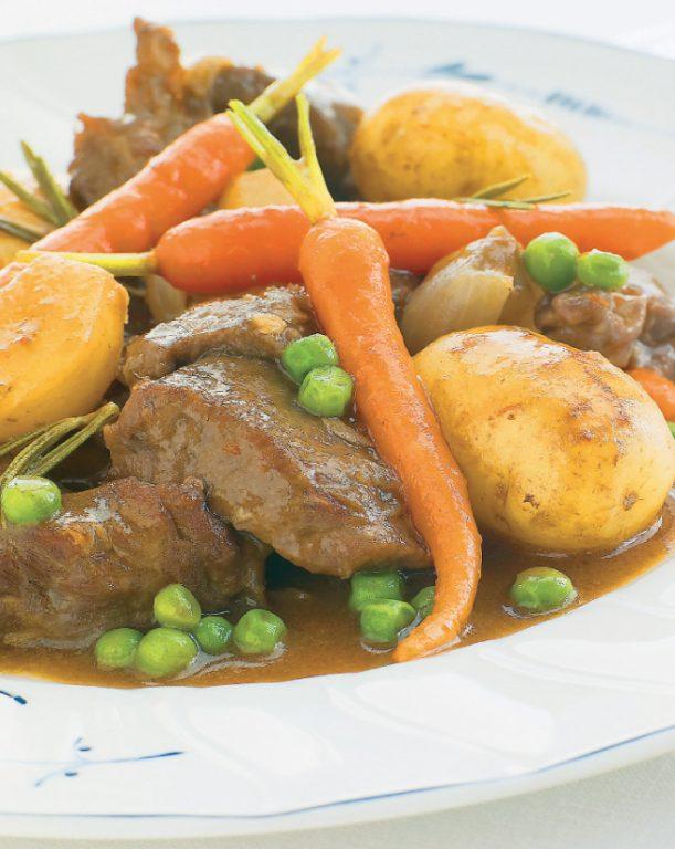 Αρνάκι κατσαρόλας με τρυφερά λαχανικά