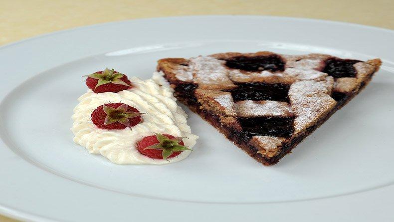 Αυστριακή τάρτα με μαρμελάδα (Linzer torte)
