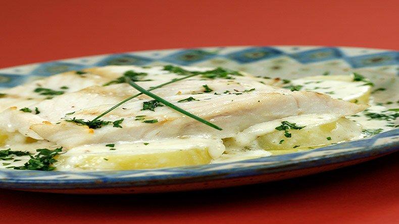 Μπακαλιάρος και πατάτες με άρωμα τρούφας