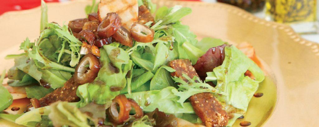 Γιορτινή σαλάτα με συκόπιτα