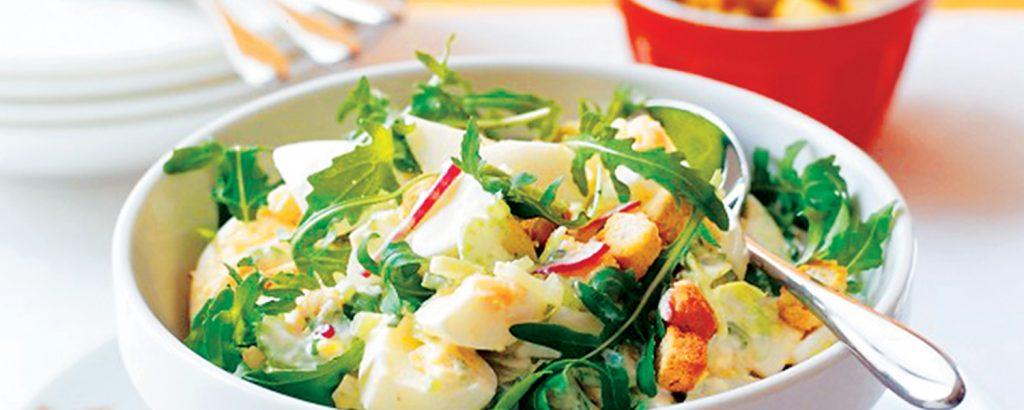 Σαλάτα με αβγά και λεμόνι