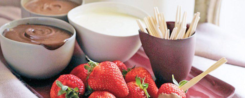 Φοντύ σοκολάτας με φράουλες