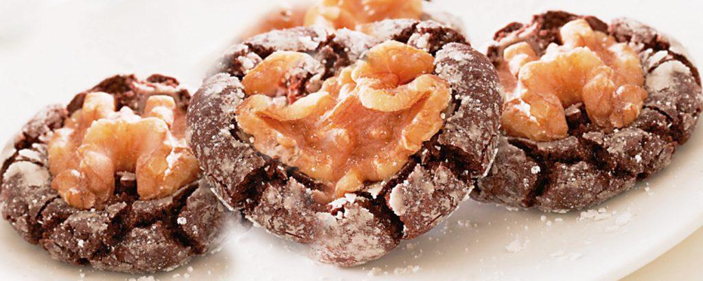 «Ζαρωμένα» κούκις σοκολάτας με καρύδι