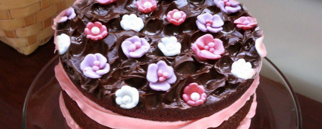 Εύκολη τριανταφυλλένια τούρτα