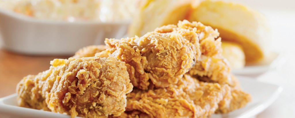 Αμερικάνικο κοτόπουλο πανέ με κόλσλοου