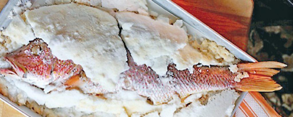Ψάρι σε κρούστα αλατιού
