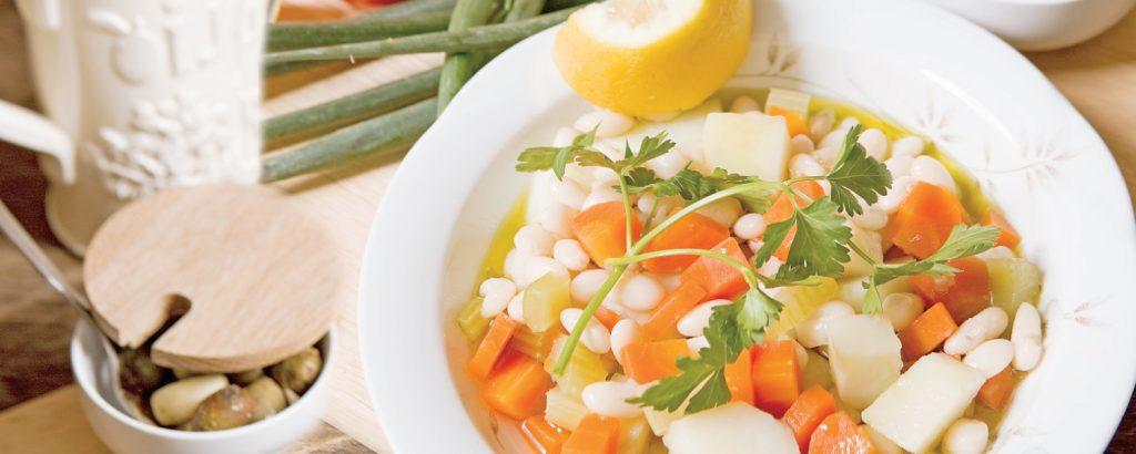 Φασόλια με καρότο και πατάτα