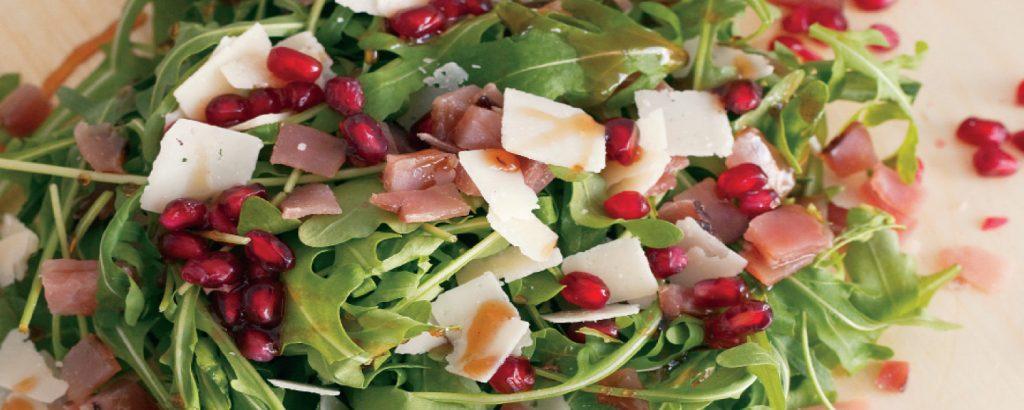 Σαλάτα με σάλτσα ροδιού