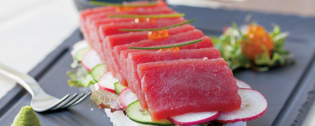 Τuna sashimi