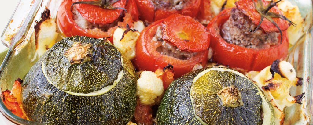 Ντομάτες και κoλοκυθάκια γεμιστά