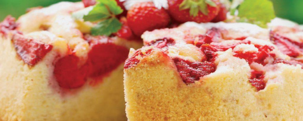 Ανάστροφο κέικ με φράουλες