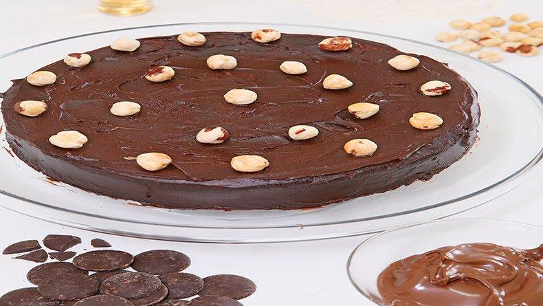 Kέικ με πραλίνα φουντουκιού