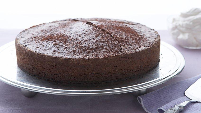 Κέικ σουφλέ σοκολάτα-αμύγδαλο