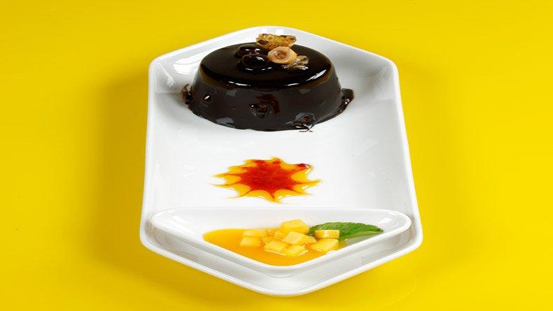 Κέικ σουφλέ σοκολάτα-φουντούκι