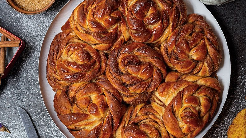 Cinnamon rolls με κάρδαμο