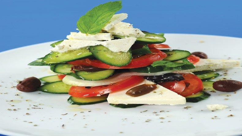 Ελληνική χωριάτικη σαλάτα «μιλφέιγ»