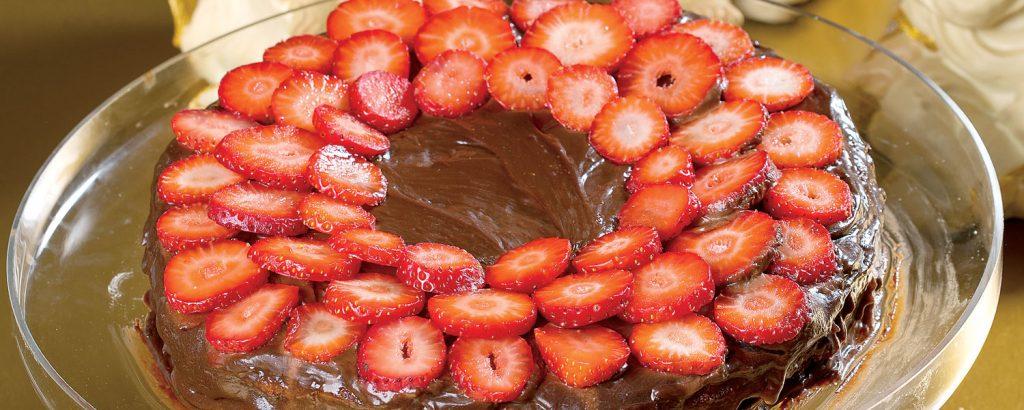 Τόρτε σοκολάτας µε φράουλα