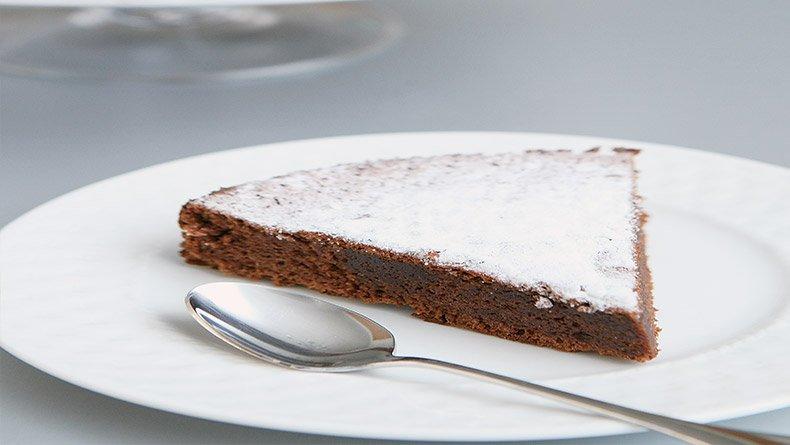 Γαλλικό μαλακό κέικ με σοκολάτα και μπισκότα