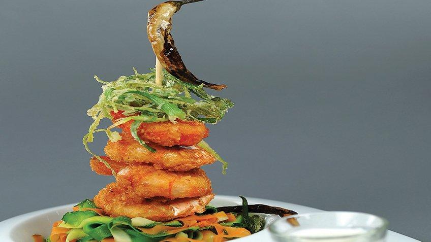 Γαρίδες πανέ με καρύδα και ταλιατέλες λαχανικών
