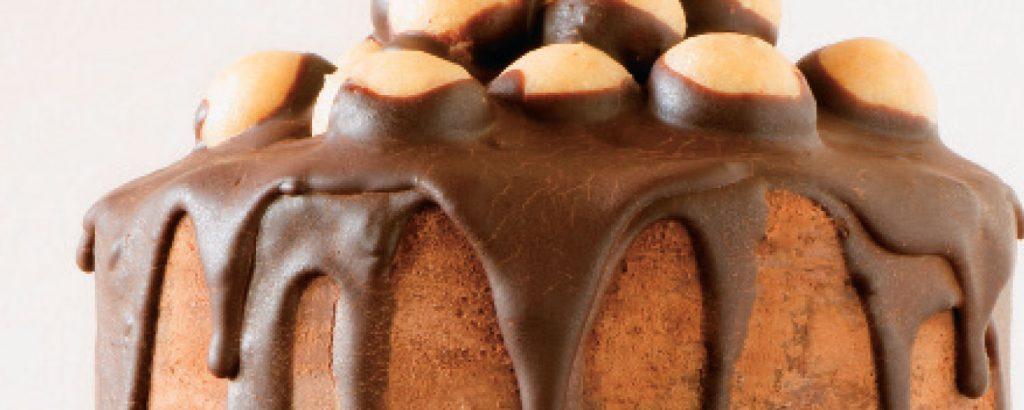 Γιορταστικό κέικ τζίντζερμπρεντ