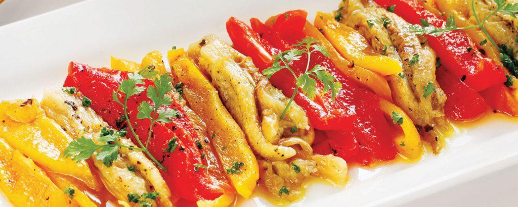 Ισπανική σαλάτα με ψητές πιπεριές και μελιτζάνες (Escalivada)