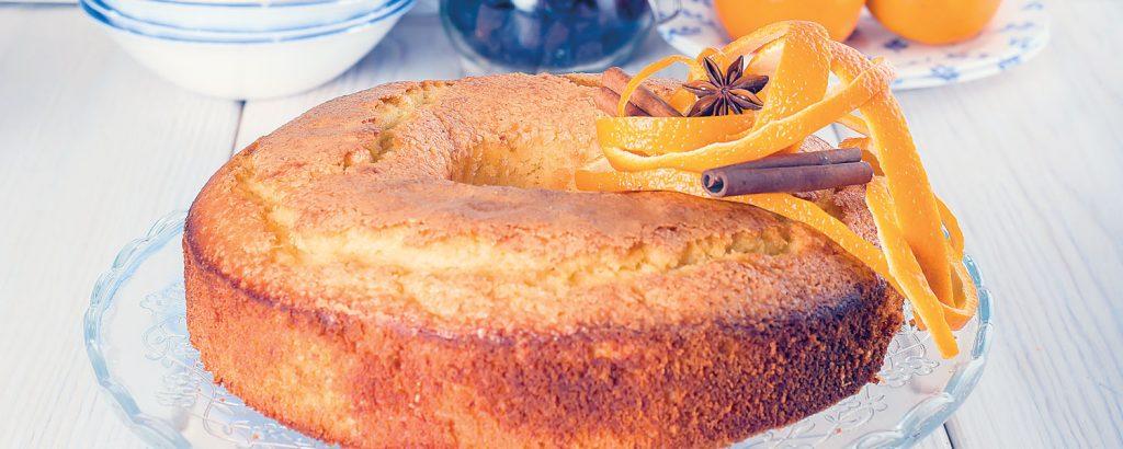 Κέικ με ολόκληρα πορτοκάλια και σιρόπι