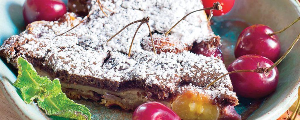 Κλαφουτί με κεράσια  και σοκολάτα