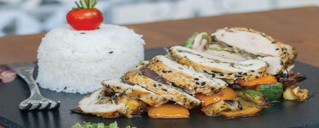 Γεμιστό κοτόπουλο με μαριναρισμένα λαχανικά