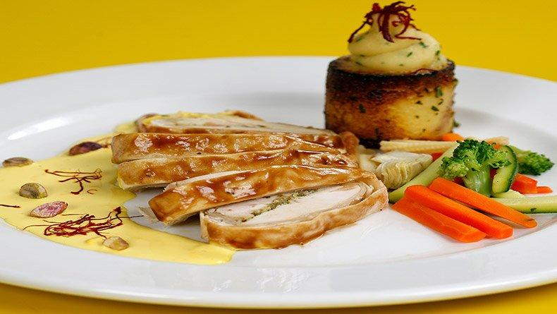 Κοτόπουλο σε φύλλο κρούστας  με σάλτσα ζαφοράς