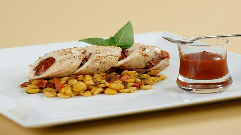 Κοτόπουλο γεμιστό με ρεβίθια ζεστή σαλάτα