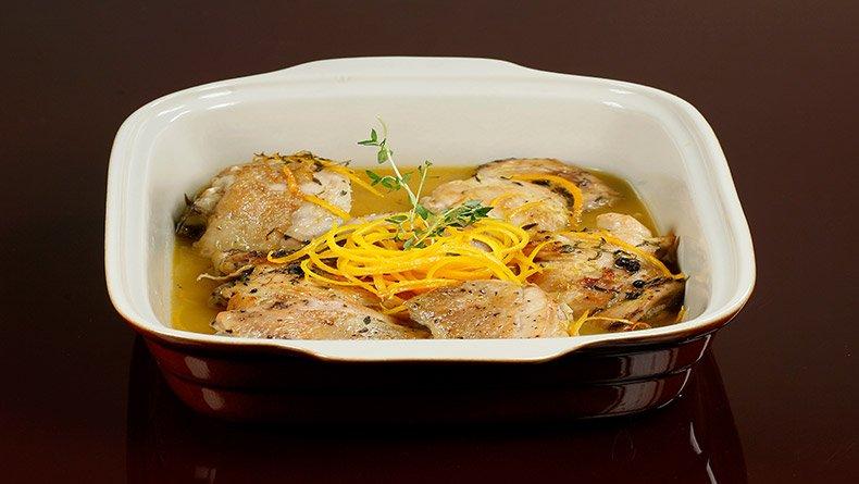 Κοτόπουλο με πορτοκάλι και θυμάρι