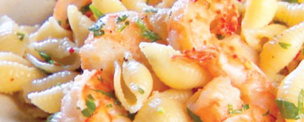 Μακαρονάδα με γαρίδες λεμονάτες
