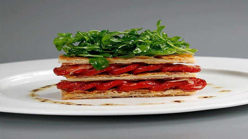 Μιλφέιγ με ντομάτα και παρμεζάνα