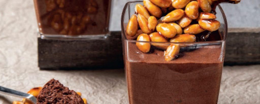 Μους σοκολάτα με άρωμα αμυγδάλου