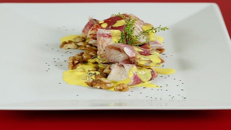Μπαρμπούνια ρολά με σάλτσα μουστάρδας με καρύδια